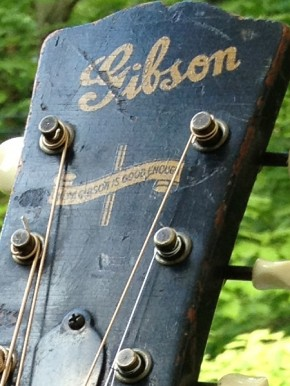1945 Gibson Banner LG2
